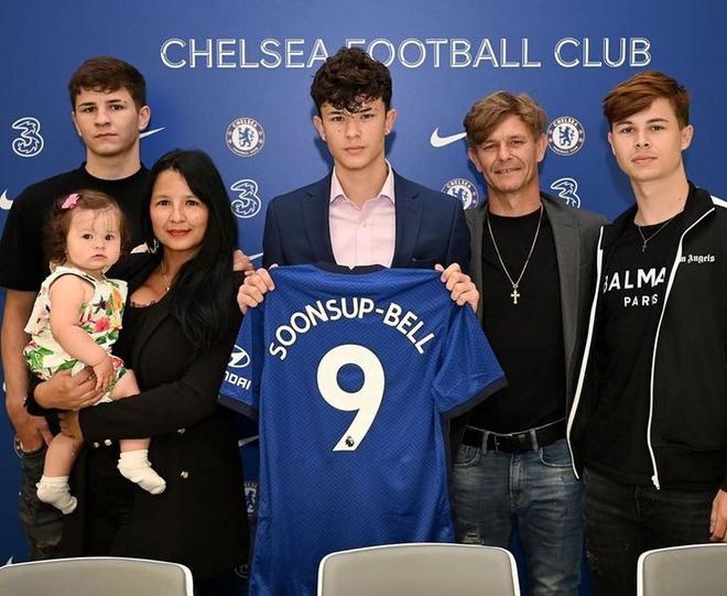 sao Thai Lan gia nhap Chelsea anh 1