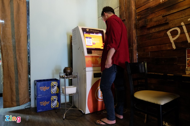 May ATM Bitcoin trong tiem an o Sai Gon hinh anh 4