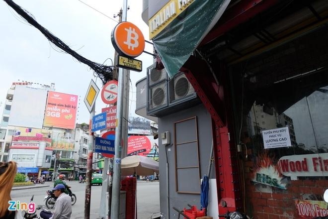 May ATM Bitcoin trong tiem an o Sai Gon hinh anh 1