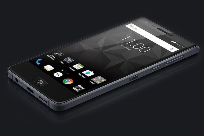 Lo anh Blackberry Motion ban ra trong thang 10 anh 1