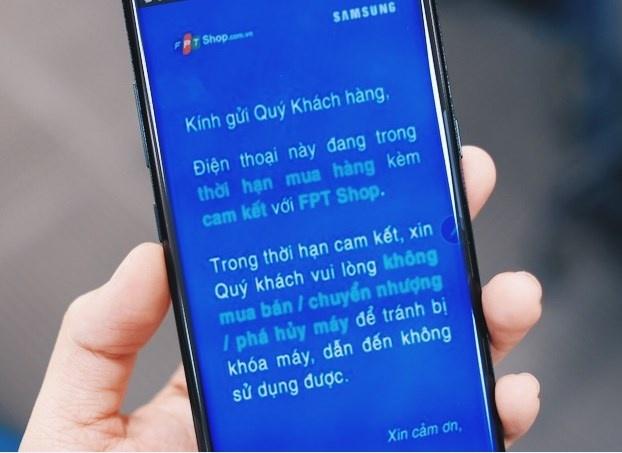 Rui ro khi mua Note 8 gia re chua het hop dong voi nha mang hinh anh