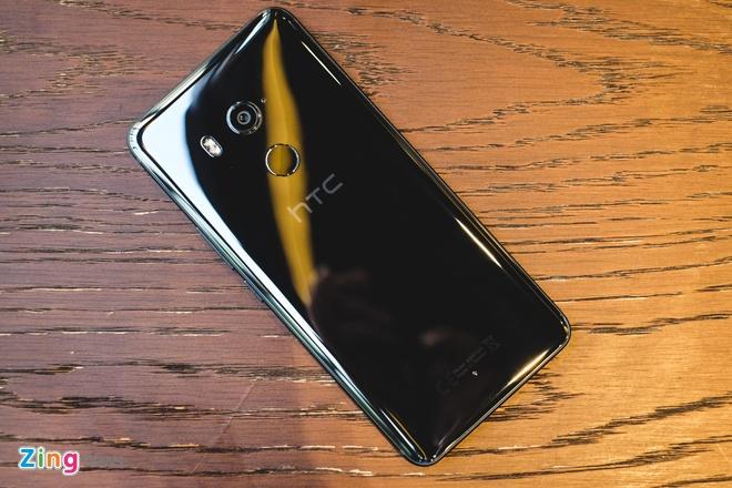 HTC U11 Plus: Man hinh 6 inch, RAM 6 GB, gia 18,9 trieu tai VN hinh anh 1