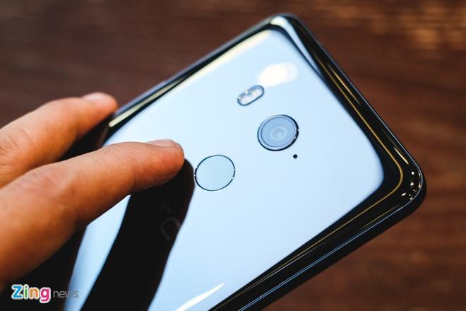 HTC U11 Plus: Man hinh 6 inch, RAM 6 GB, gia 18,9 trieu tai VN hinh anh 3