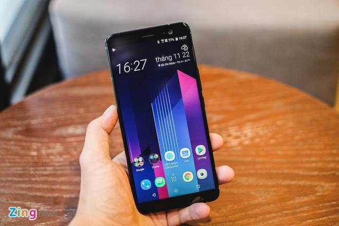 HTC U11 Plus: Man hinh 6 inch, RAM 6 GB, gia 18,9 trieu tai VN hinh anh 4