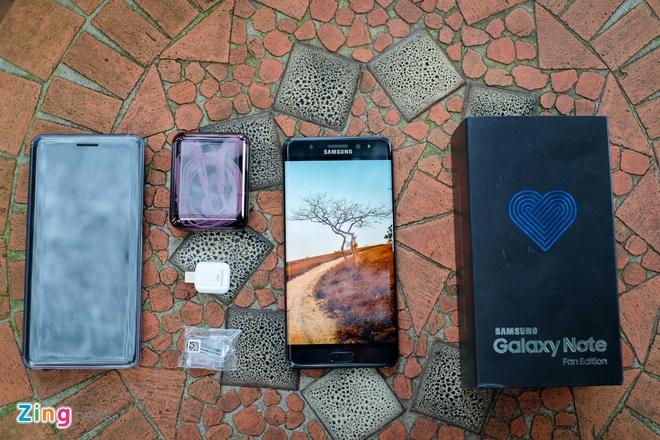 Mo hop Galaxy Note FE chinh hang gia 13,9 trieu dong hinh anh