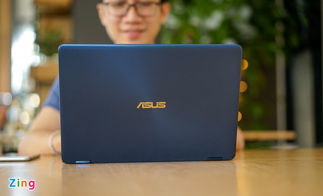 Laptop xoay mong nhat the gioi tu Asus gia 41,8 trieu hinh anh 1