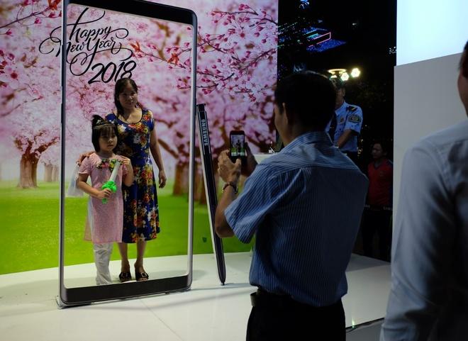 Samsung to chuc dem giao thua: Don tet phai lon hinh anh 2