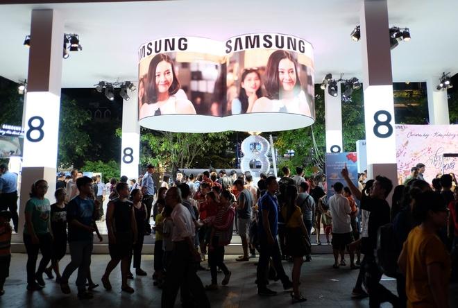Samsung to chuc dem giao thua: Don tet phai lon hinh anh