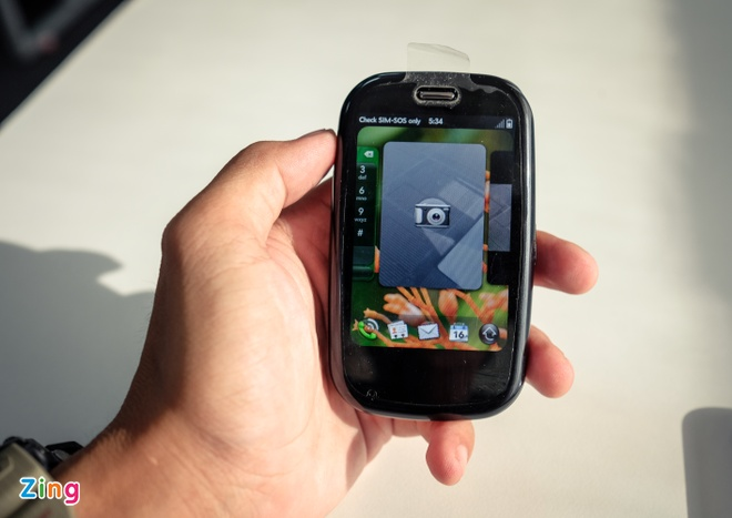 Palm Pre Plus: iPhone X cua 8 nam truoc hinh anh 9