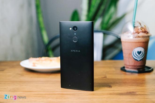 Xperia L2 - smartphone Sony dau tien co cam bien van tay mat lung hinh anh 11