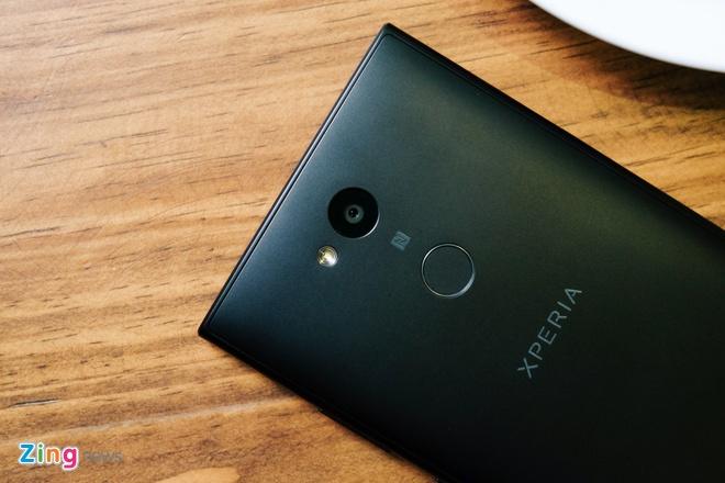 Xperia L2 - smartphone Sony dau tien co cam bien van tay mat lung hinh anh 7