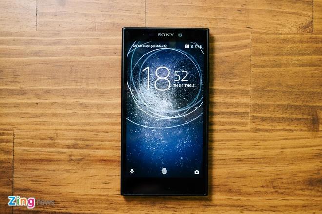 Xperia L2 - smartphone Sony dau tien co cam bien van tay mat lung hinh anh 2