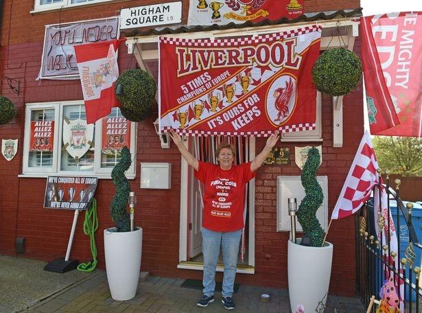 CDV 63 tuoi trang hoang nha nhu phong luu niem Liverpool hinh anh 1