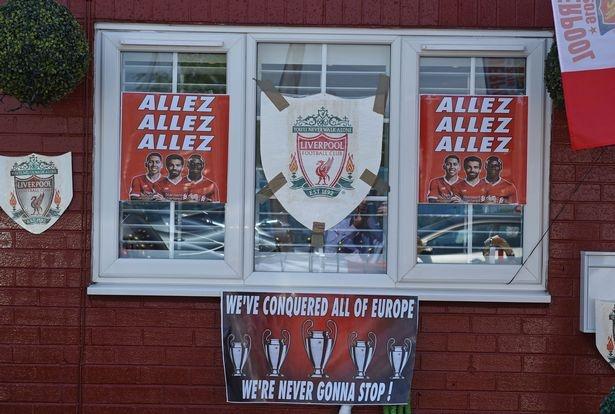 CDV 63 tuoi trang hoang nha nhu phong luu niem Liverpool hinh anh 4