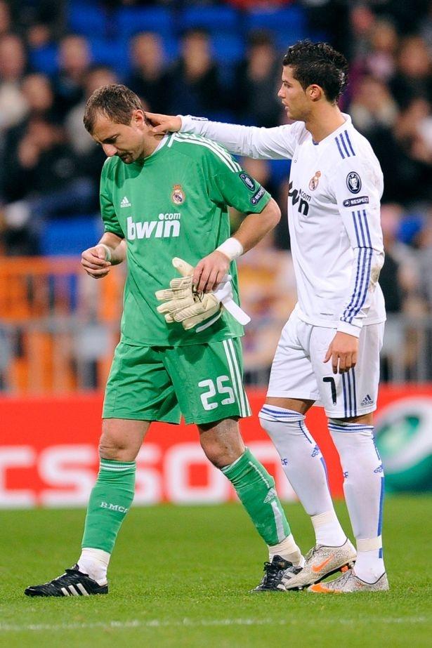Cuu thu mon Real ke ve benh ngoi sao cua Ronaldo o Bernabeu hinh anh 3