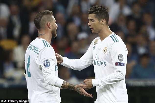Ramos hay Ronaldo la ong vua phong thay do Real? hinh anh