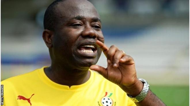 Trong tai World Cup 2018 va chu tich LDBD Ghana nhan tien hoi lo hinh anh