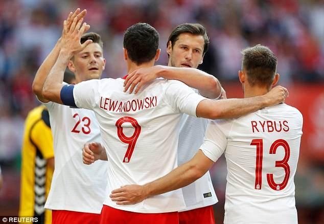 Lewandowski ghi cu dup, DT Ba Lan san sang cho World Cup hinh anh 8