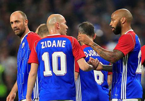 Zidane va Henry tai xuat, danh bai doi 'All Star' cua HLV Wenger hinh anh