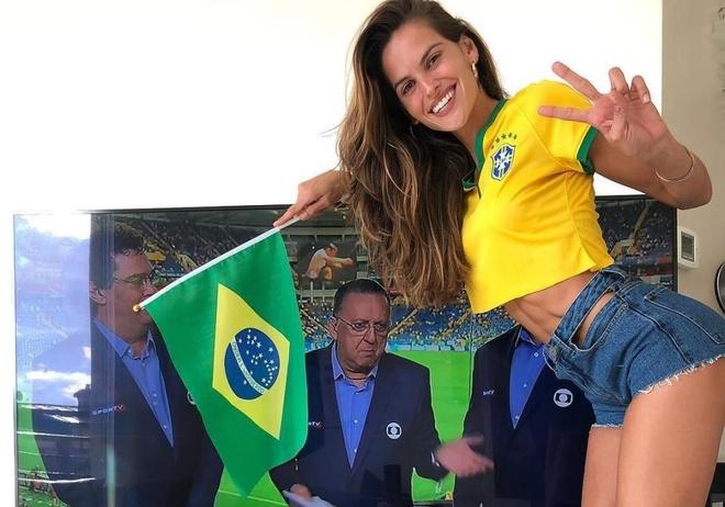 Cuu thien than noi y khoe dang co vu doi tuyen Brazil hinh anh