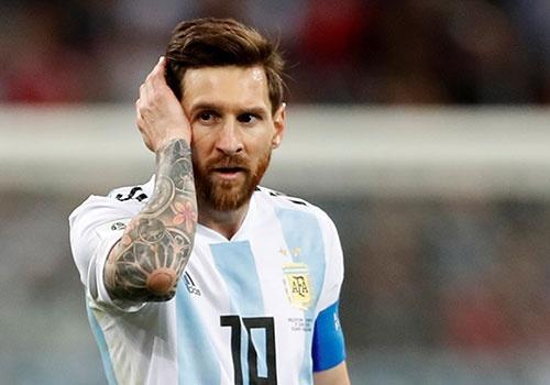 Messi, da den luc noi len cau gia tu hinh anh