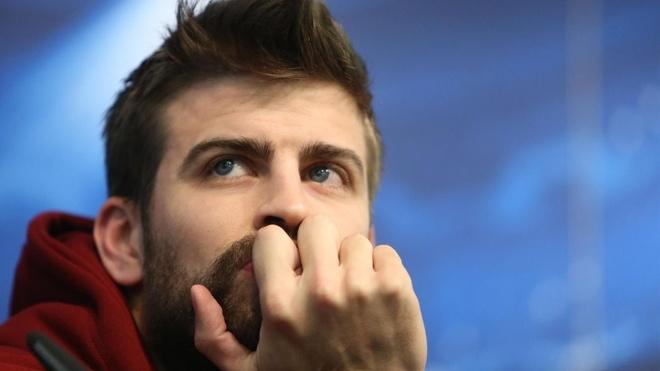 Barcelona that vong vi Pique khien Griezmann o lai Atletico Madrid hinh anh