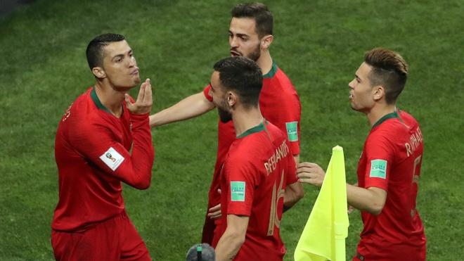 HLV Bo Dao Nha: 'Chi Ronaldo khong the nao gianh duoc chien thang' hinh anh 1