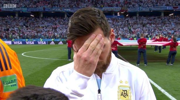 Net mat cang thang cua Messi dau tran nhu biet truoc con bi cuc hinh anh
