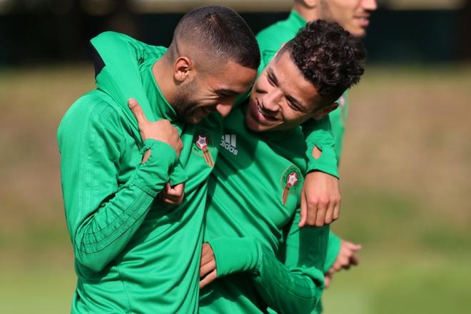 Tay Ban Nha gap Morocco: Cho 'Bo tot' nong may hinh anh 2