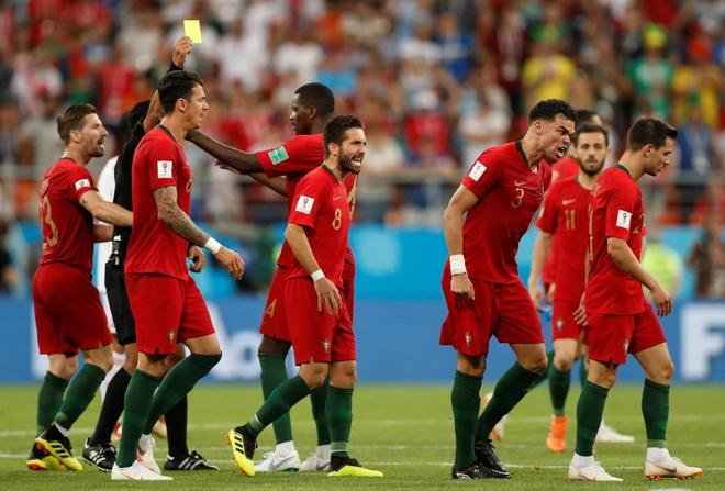 Dau la ly do khien Ronaldo va dong doi phai xep duoi Tay Ban Nha? hinh anh 1