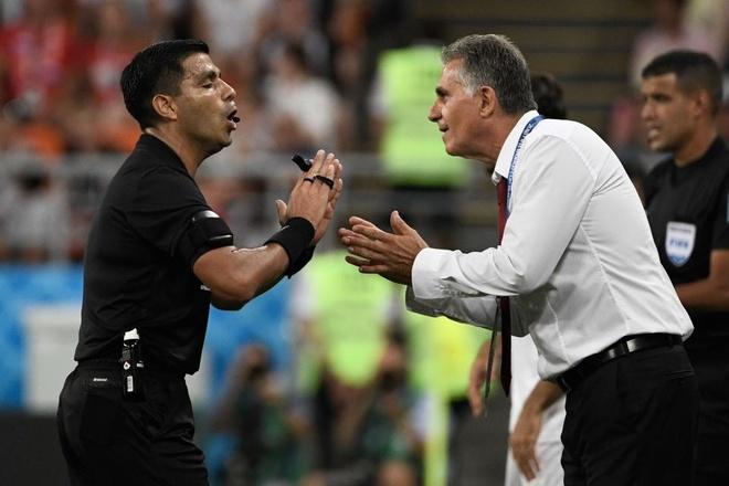 Ronaldo xung dang nhan the do vi pha danh nguoi voi cau thu Iran,  World Cup anh 2
