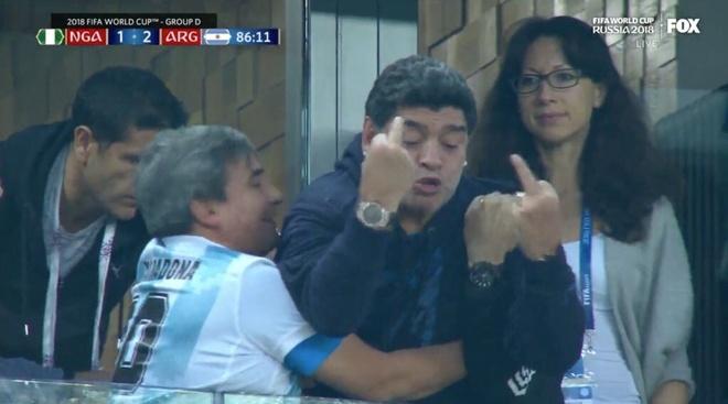 '50 sac thai' cua Diego Maradona trong ngay Argentina thoat 'cua tu' hinh anh 10