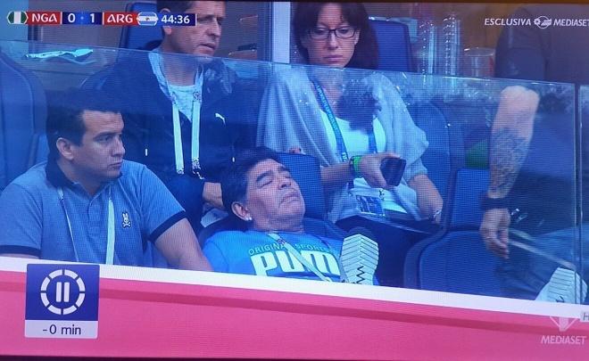 '50 sac thai' cua Diego Maradona trong ngay Argentina thoat 'cua tu' hinh anh 7