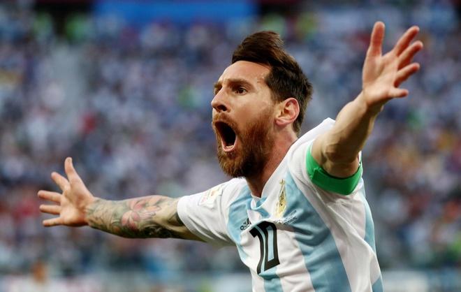 Messi mang 'la bua' tu nguoi phu nu vo danh hinh anh