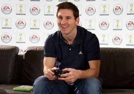 Khong chon Barca, Messi 'tin dung' Chelsea khi choi FIFA Online hinh anh