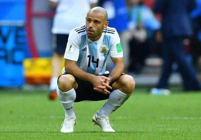 Mascherano tu gia DT Argentina sau that bai truoc Phap hinh anh