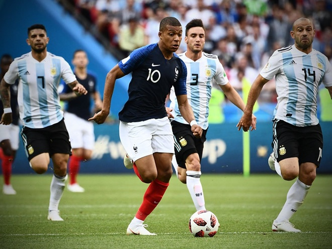 Mbappe: 'Dung so sanh toi voi Pele' hinh anh