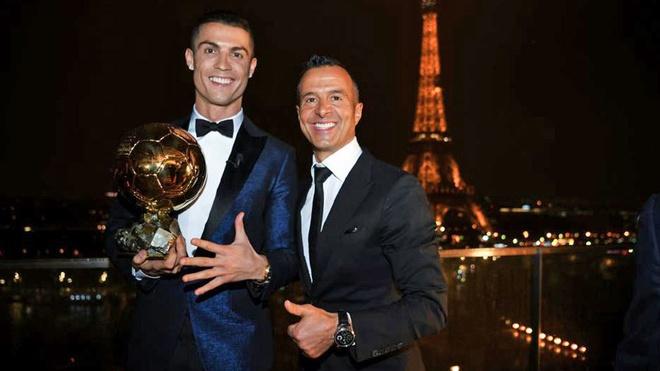 'Sieu co' Mendes len tieng ve kha nang roi Real cua Ronaldo hinh anh