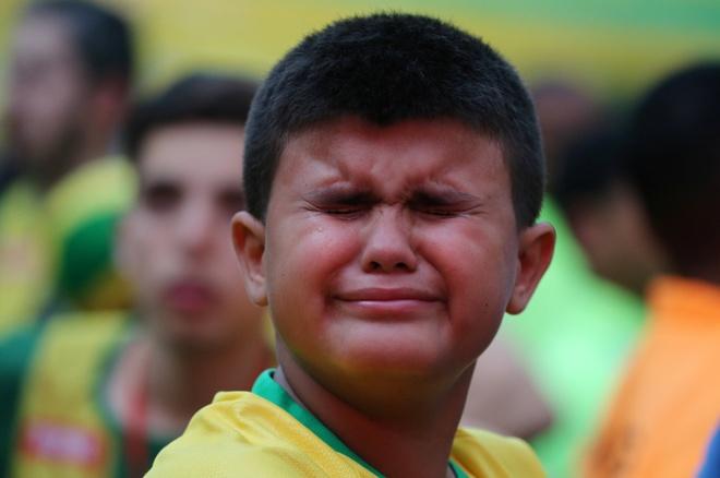 Co dong vien khong cam noi nuoc mat truoc that bai cua Brazil hinh anh 6