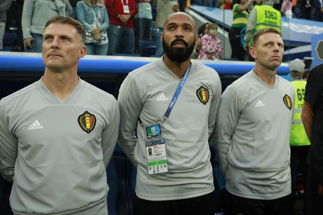 Guong mat tram tu cua Thierry Henry trong ngay Phap danh bai Bi hinh anh 3