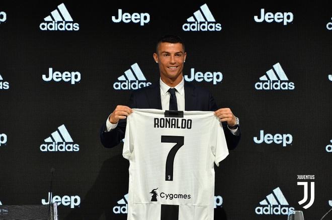 Ronaldo: 'Khong kho khan de quyet dinh roi Real sang Juventus' hinh anh
