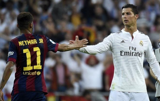 Neymar: 'Ronaldo se thay doi nen bong da Italy' hinh anh 1