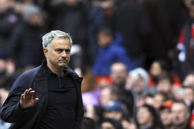 HLV Mourinho tiet lo muon dua them 2 cau thu ve MU hinh anh 1
