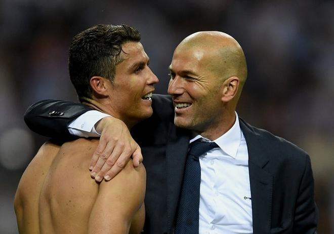 Nha bao Tay Ban Nha tiet lo ly do khien Zidane va Ronaldo roi Real hinh anh