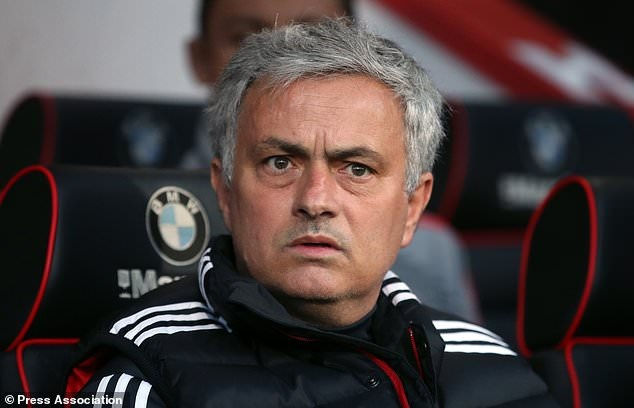 Manchester United,  Mourinho,  Anthony Martial,  Premier League anh 1