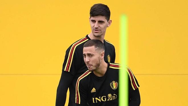 HLV Sarri tu tin Hazard va Courtois se o lai Chelsea hinh anh 1