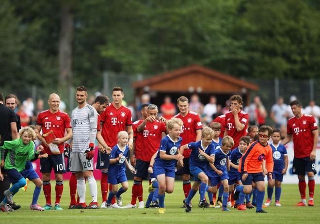 Thi dau giao huu, Bayern Munich 'nghien nat' doi thu voi ty so 20-2 hinh anh