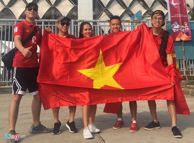 Hoa Minzy ung ho Olympic Viet Nam,  Cong Phuong anh 2