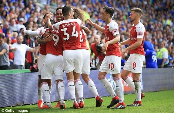 Lacazette toa sang giup Arsenal thang nghet tho truoc Cardiff City hinh anh 10