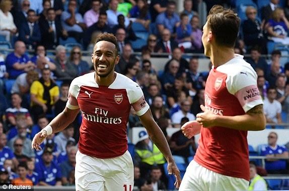 Lacazette toa sang giup Arsenal thang nghet tho truoc Cardiff City hinh anh 7